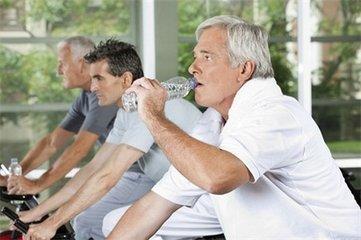 老年人阳痿该如何预防?由哪些因素导致的?