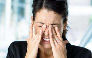 女性肾阴虚的症状,腰疼酸软无力,头晕耳鸣,黑眼圈,月经不调,腰酸痛