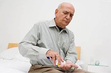老年人阳痿不要滥用药物 修身养性要遵循这几点